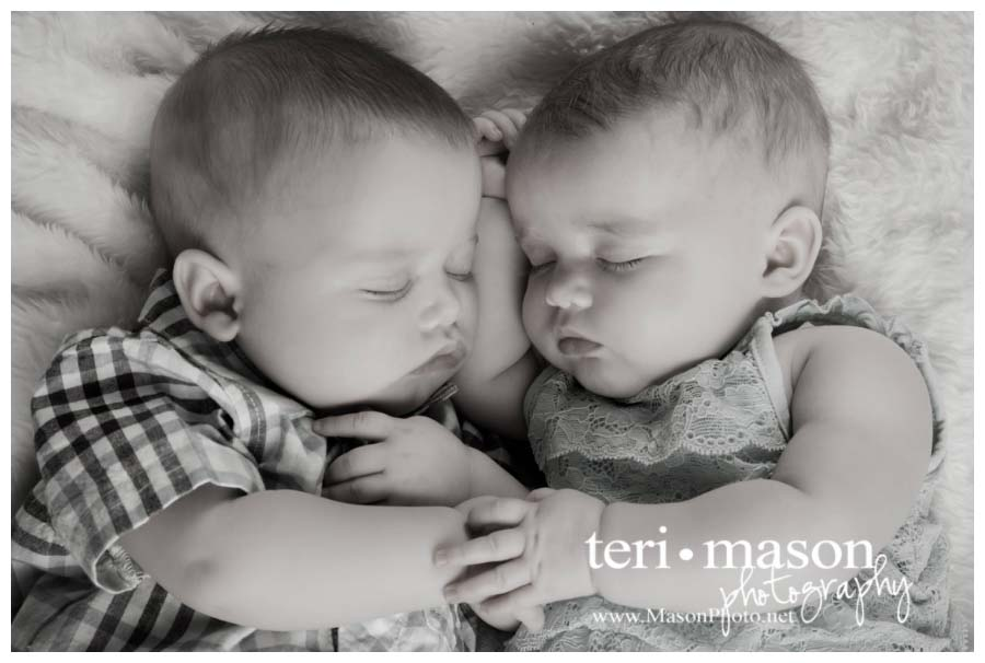 Twins sneak peek for the k babies austin tx multiples photographer